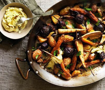 """<a href=""""http://kitchen.nine.com.au/2016/05/16/10/15/root-vegetables-roasted-in-goose-fat"""" target=""""_top"""">Root vegetables roasted in goose fat</a>"""