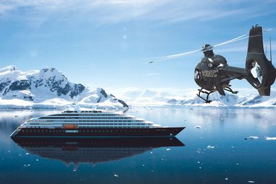<strong>Submarines&nbsp;and helicopters - Scenic Eclipse</strong>