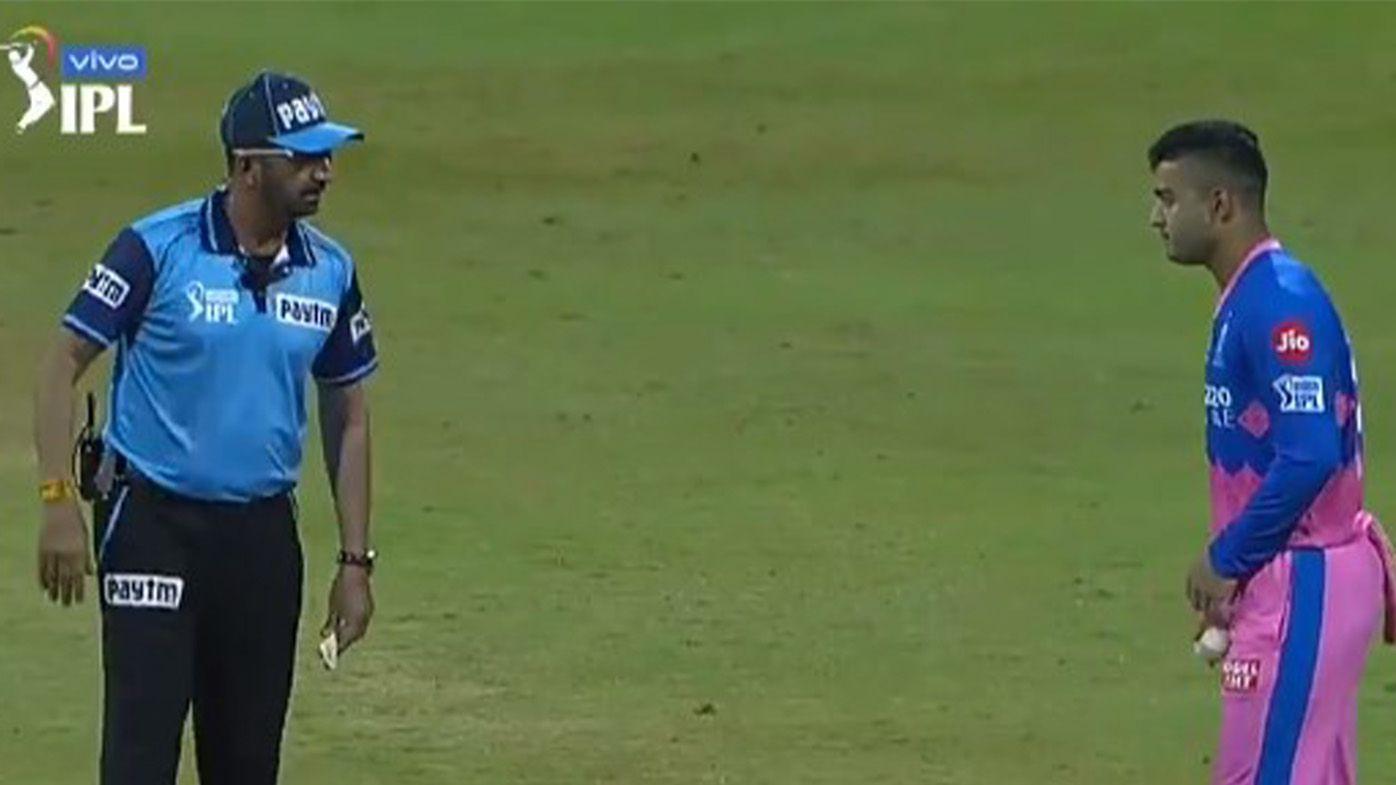 Indian Premier League youngster stuns commentators with bizarre side-arm deliveries