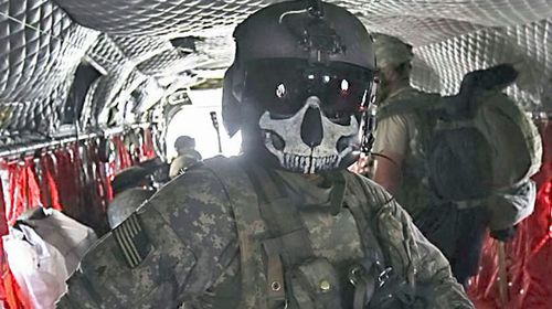 This US Navy SEAL wears a death themed mask. (Twitter).
