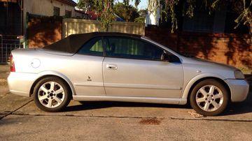 Car blocks Sydney woman's driveway for seven days