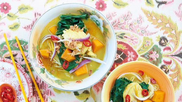 Bill Granger's chicken curry soup