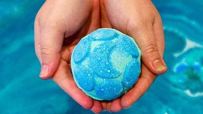Lush 'deeply sorry' after underpaying 5000 staff