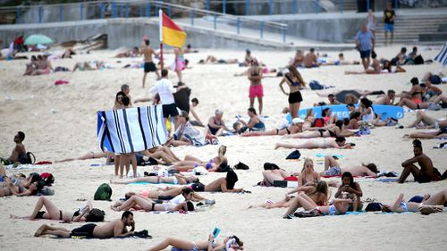 Sydney is facing its hottest back-to-back days in 10 years. (AAP)