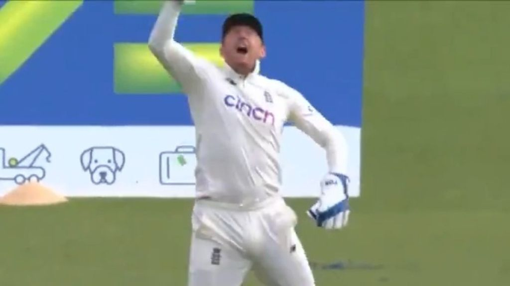 Record-breaking run chase in sight for England in final Test against India