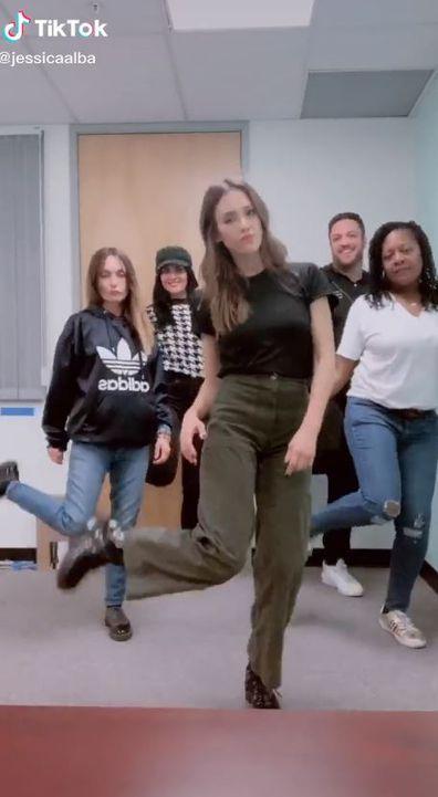 Jessica Alba, TikTok, video