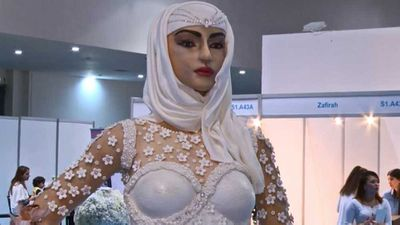 "<a href=""http://kitchen.nine.com.au/2018/02/12/12/20/life-sized-bridae-cake-worth-1million-dollars"" target=""_top"">Life sized bride cake</a>&nbsp;costs $1 million dollars"