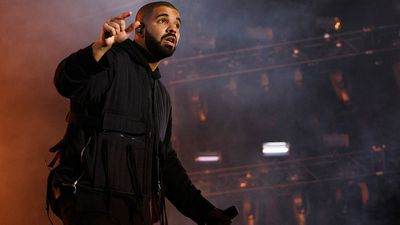 <p>Drake's&nbsp;<em>If You're Reading This It's Too Late</em>: 495,000 copies in the US</p>