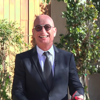 Howie Mandel gives sneak peek of 'COVID-safe' Ellen Show set in his driveway