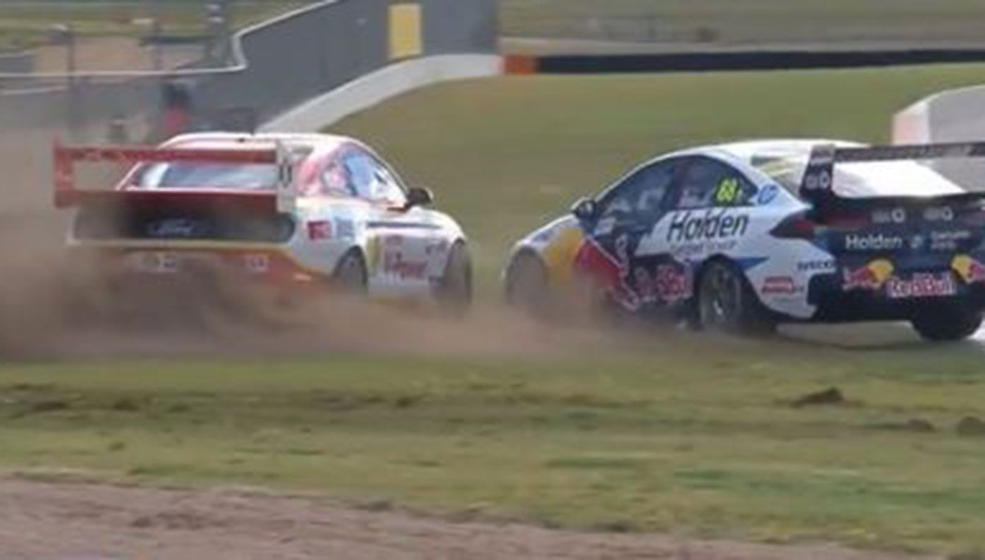 Scott McLaughlin and Jamie Whincup collide during the opening race of the Supercars round at The Bend.