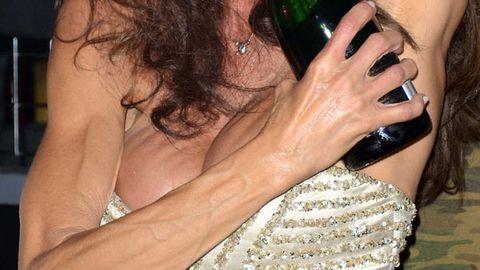 Janice Dickinson's scary boobs