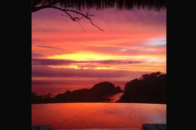 @msleamichele: Sunset in Mexico... <3 #nofilter