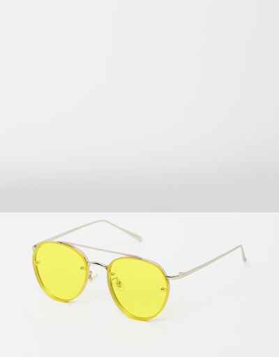 "<p><a href=""https://www.theiconic.com.au/aviator-sunglasses-492390.html"" target=""_blank"" draggable=""false"">Reliquia Jewellery Aviator Sunglasses in Silver &amp; Yellow, $74.50</a></p>"