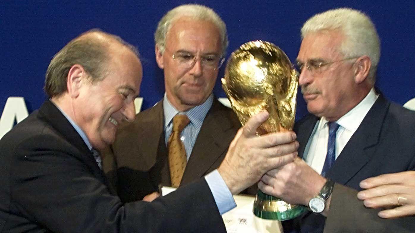 Sepp Blatter, Franz Beckenbauer and Fedor Radmann in 2000. (AAP)