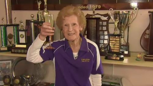 Cheers to that! Ms Willcox plays golf with her group of girlfriends at Oakleigh Golf Club every Wednesday. (9NEWS)