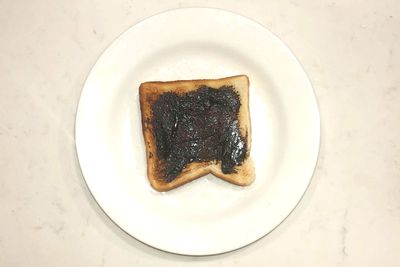 Vegemite on toast: 94 calories