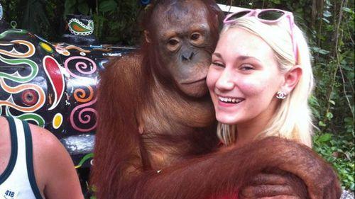 'Dumped' wife auctions ex-husband's half of Bali trip