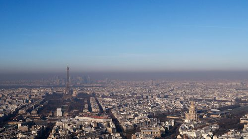 Paris choked by worst winter pollution in a decade