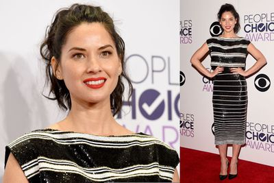 Olivia Munn, Queen of the awkward pose.
