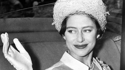 Princess Margaret leaves Buckingham Palace for her honeymoon with Antony Armstrong-Jones, 1960