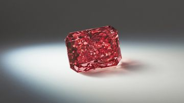 One of world's rarest diamonds could fetch $10m at sale