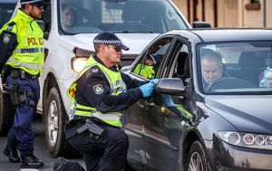 Three men fined for crossing NSW border from Victoria without valid border permits