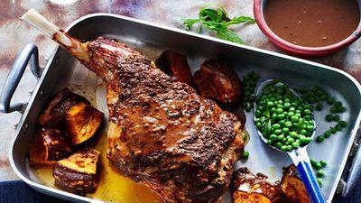 Roast lamb leg with red wine gravy