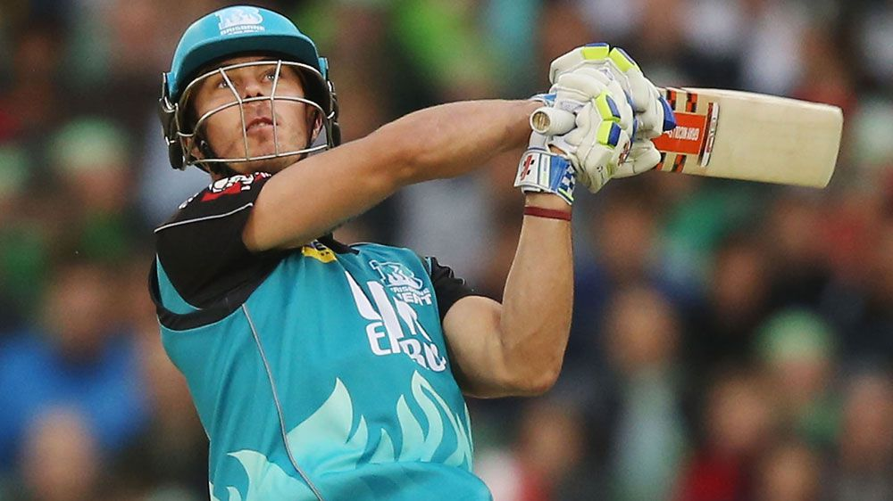 Lynn smashes five sixes in a row