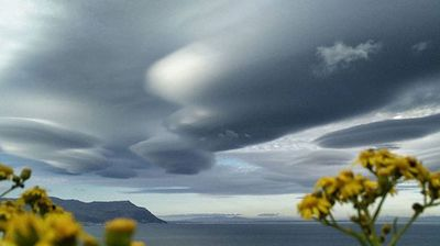 The clouds as seen from Simonstown. (@johanhorak)