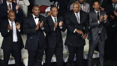 <p>Officials estimated more than 100,000 people flocked the streets of Louisville, Kentucky to watch the funeral cortege and farewell 'The Greatest,' followed by a packed-out memorial service at a 20,000-seat sports arena in the centre of town. Muhammad Ali died on June 3, aged 74.</p> <p>(From left) Pallbearers included Mike Tyson, Lennox Lewis, Will Smith and Mike Moorer. (AP/Darron Cummings) </p> <p> </p>