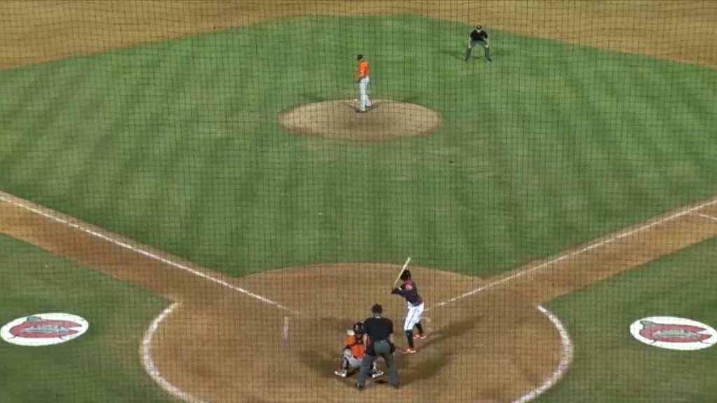 Baseball fan makes no look catch with beer cup