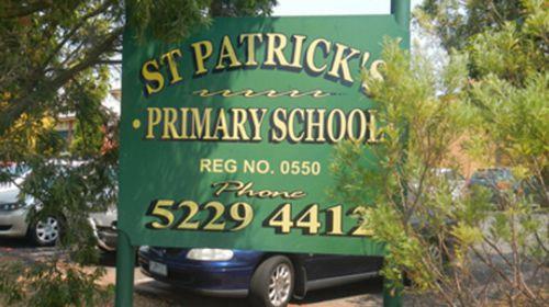 Geelong primary school slams 'hugging ban' 'beat-up'