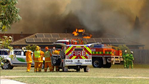 More than 300 firefighters worked to save properties at Carrum Downs. (9NEWS)