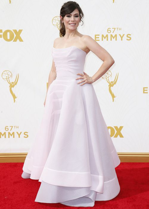 Yael Stone arrives at the 67th Primetime Emmy Awards, 2015