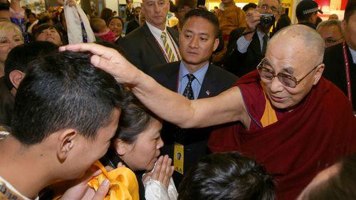 Dalai Lama to visit Uluru for first time