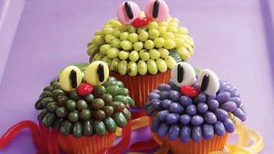 "Recipe:&nbsp;<a href=""http://kitchen.nine.com.au/2016/10/30/21/39/jelly-belly-creepy-critter-halloween-cupcakes"" target=""_top"">Jelly Belly monsters</a>"