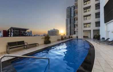 Oaks Darwin Elan Hotel pool, Northern Territory