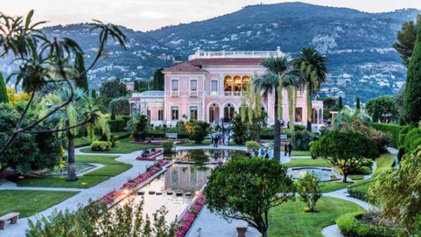 Villa Les Cedres, via Instagram @aisedillonphotography