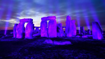 Stonehenge bodies were from Wales