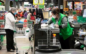 Woolworths appoints first-ever chief medical officer to guide supermarket through pandemic