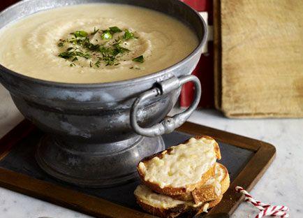 Celeriac soup with Raclette croûtons