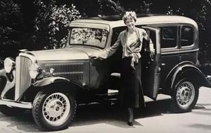 Amelia Earhart's car found after being reported stolen