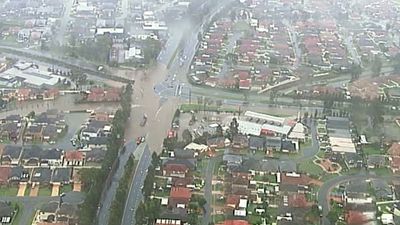 A shot from the 9 NEWS chopper shows the extent of flooding in west Sydney. (9NEWS)
