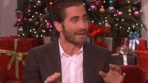 Ouch! Jake Gyllenhaal shows horrific hand injury on Ellen