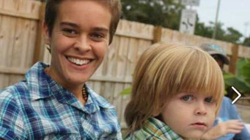 Mummy blogger Lacey Spears with her son, Garnett (Facebook).