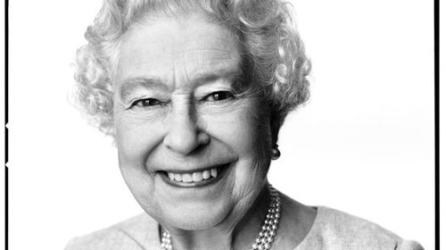 Instagram-style pic marks queen's birthday