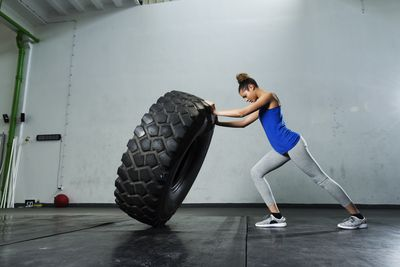 <strong>Strongman/woman training</strong>