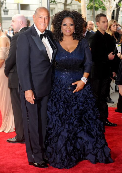 De La Renta with Oprah Winfrey in New York in 2010. (AAP)