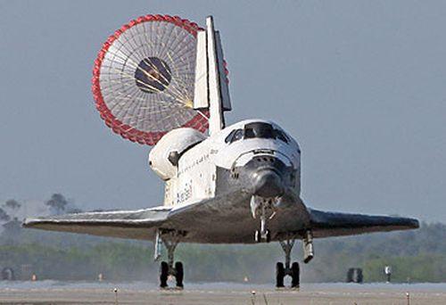 The NASA Space Shuttle's last flight lands in 2011. (Getty)