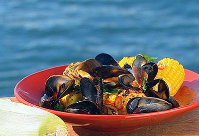 Platter of barbecue mussels